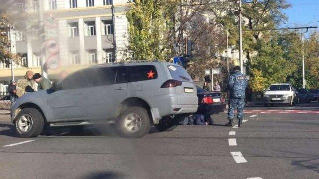 Бойовики в центрі Донецька спричинили ДТП і побили потерпілого водія