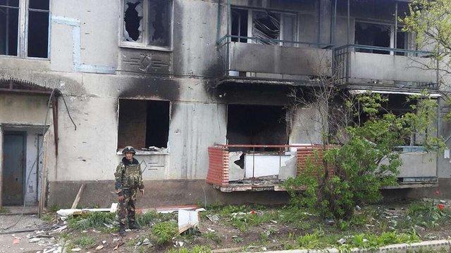 Помер український військовий, поранений під час п'ятничного обстрілу Пісків