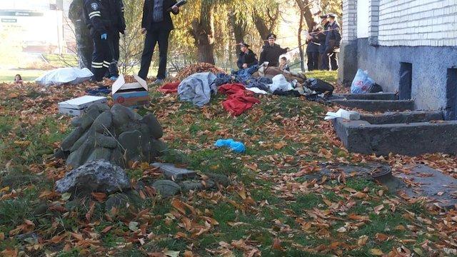 У Львові на Сихові знайшли замотаний у ковдру труп чоловіка