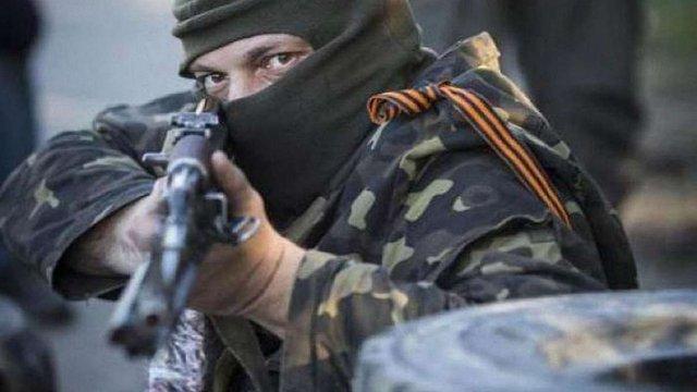 Бойовики здійснили 12 обстрілів за вечір на Донеччині