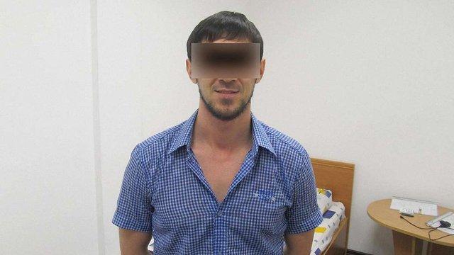 У львівському аеропорту затримали росіянина з фальшивим французьким паспортом