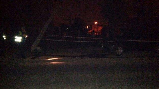 У Львові п'яний водій на BMW збив бетонну електроопору