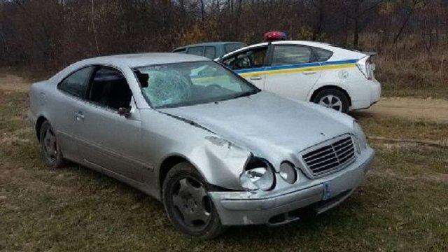 На Львівщині знайшли автомобіль, яким на трасі збили двох людей