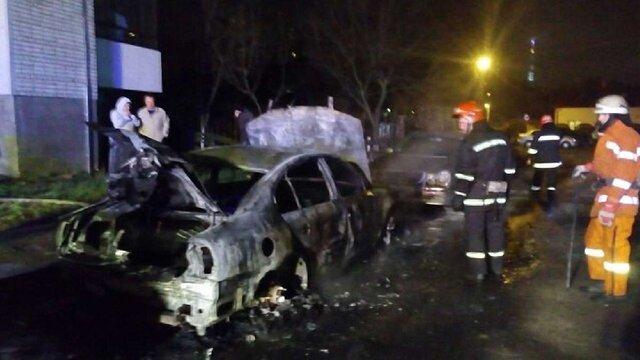 Вночі у Львові дотла згоріла Skoda Superb