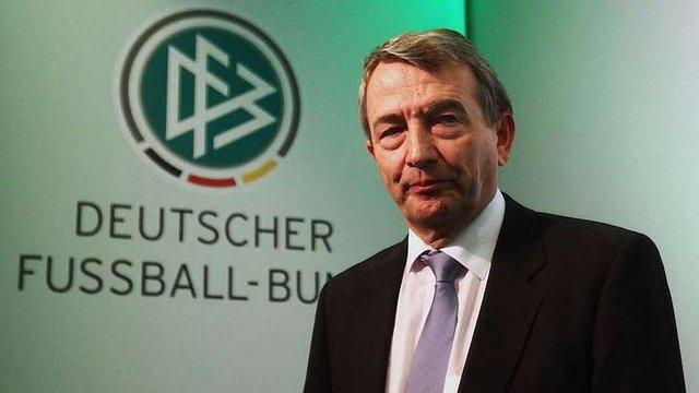Президент Футбольного союзу Німеччини подав у відставку через підозру про підкуп  ФІФА
