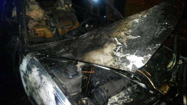 Вночі у Львові згорів легковик