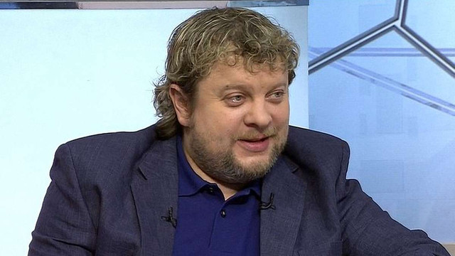Російського футбольного коментатора відсторонили від роботи за критику «русского мира»