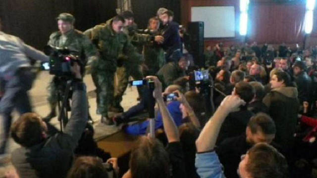 У Харкові під час громадських слухань щодо декомунізації сталася бійка
