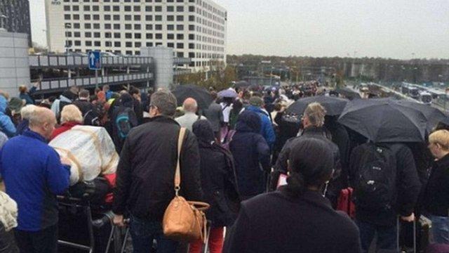 З аеропорту Гатвік в Лондоні евакуюють людей