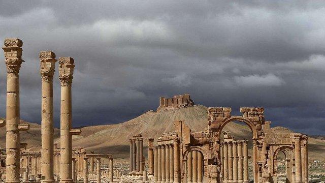 Франція готова прихистити культурні цінності, яким загрожує ІД