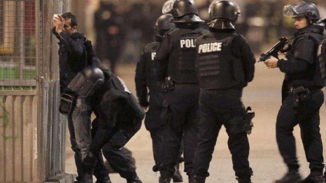 Затримані біля Парижа терористи планували атакувати аеропорт «Шарль-де-Голль»