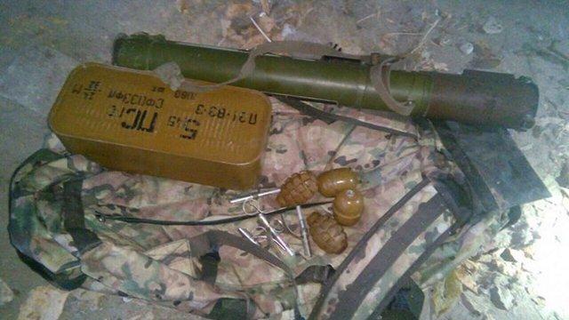 У Харкові патрульні знайшли сумку з гранатометом і боєприпасами