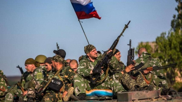 На Донбасі перебувають близько 10 тис. російських військових, - МВС