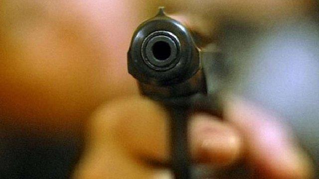 У США невідомі відкрили стрілянину в парку: щонайменше 16 людей поранено