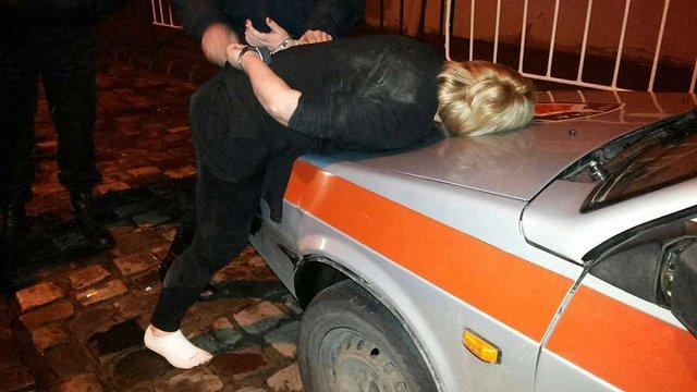 У Львові п'яні жінки побилися із охороною нічного клубу та поліцією