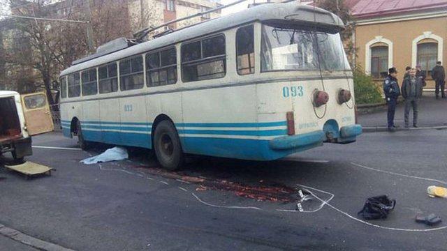 У Рівному тролейбус на смерть збив літню жінку