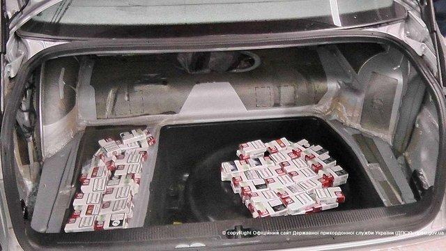 У контрабандистів цигарок львівські прикордонники вилучили три автомобілі