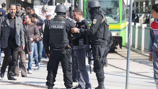 У Тунісі вибухнув автобус з охороною президента, загинули щонайменше 6 людей