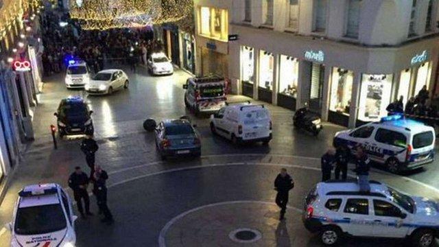 Невідомі захопили заручників на півночі Франції