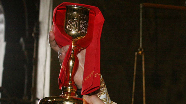 За крадіжку кадила та ризи у священика львів'янина засудили на два роки