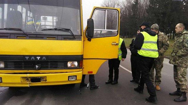 У Львові п'яний водій маршрутки вчинив ДТП