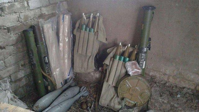У Щасті військові виявили схрон із боєприпасами