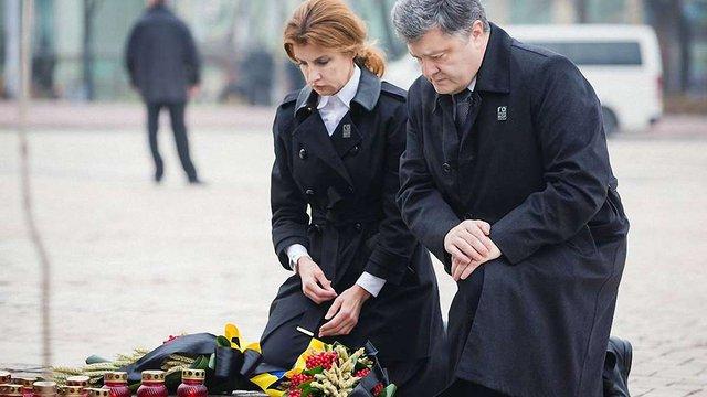 Голодомор – прояв гібридної війни РФ проти України, – Порошенко