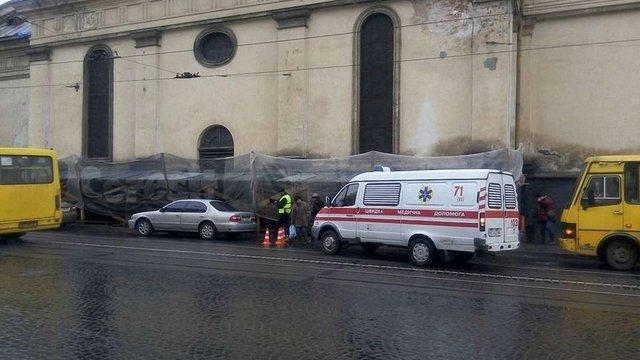 У центрі Львова автомобіль збив дитину