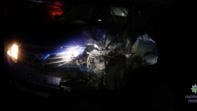 У Львові водій легкового автомобіля тікав від поліцейських і врізався в будинок