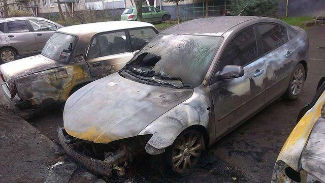 На вул. Білоцерківській у Львові згоріли три автомобілі