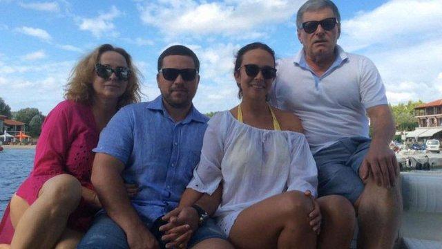 Дружина слідчого ГПУ продала МВС і Міноборони понад 100 квартир