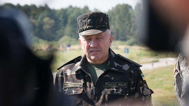 Порошенко звільнив командувача Сухопутних військ