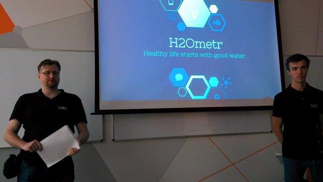 Українські стартапери винайшли «розумне» горнятко, що визначає якість питної води
