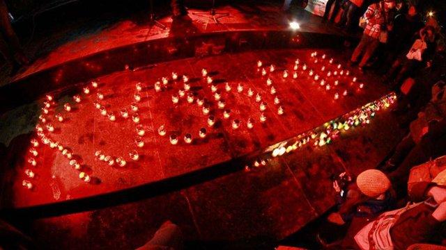 Львів'яни запалили свічки в пам'ять Кузьми Скрябіна