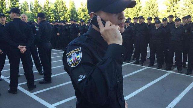 У Києві волонтери транслюють радіоперехоплення з рацій поліції