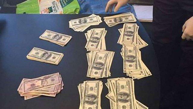 На Полтавщині майора поліції затримали за хабар у $30 тис.