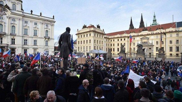 У Празі після антимусульманського мітингу підпалили центр для біженців