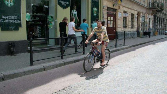У Львові на 11 вулицях з'являться велодоріжки