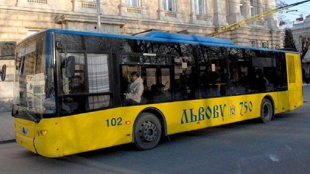 У Львові відновили рух тролейбусів через вул. Устияновича