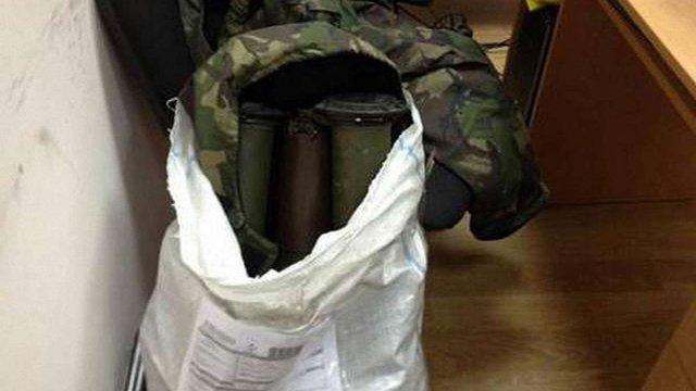 У Тернополі на пошті вилучили протитанкові гранатомети із зони АТО
