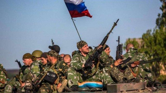 Росія спрямувала на Донбас ешелони з найманцями та озброєнням, – Міноборони