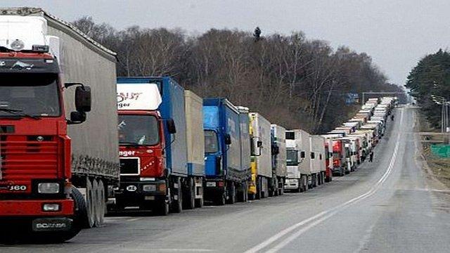 На литовсько-білоруському кордоні «застрягли» 750 вантажівок