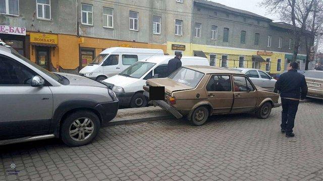 У Львові трапилася ДТП за участі шести автомобілів