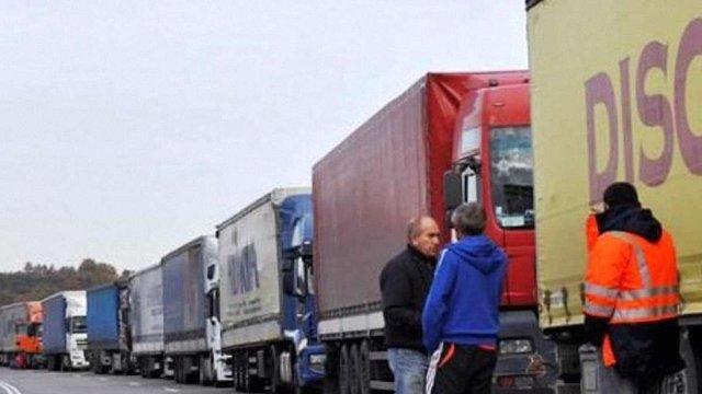 Україна визначила порядок повернення російських вантажівок в РФ через свою територію