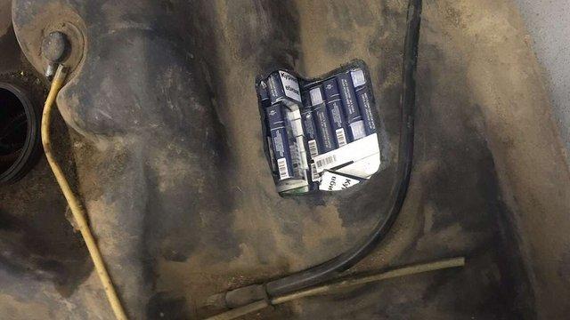У 20-річної мешканки Львівщини конфіскували авто за контрабанду сигарет
