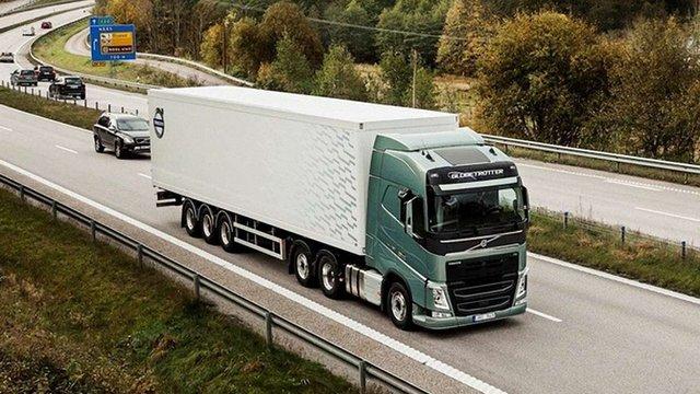 Із Росії випустили 17 українських вантажівок