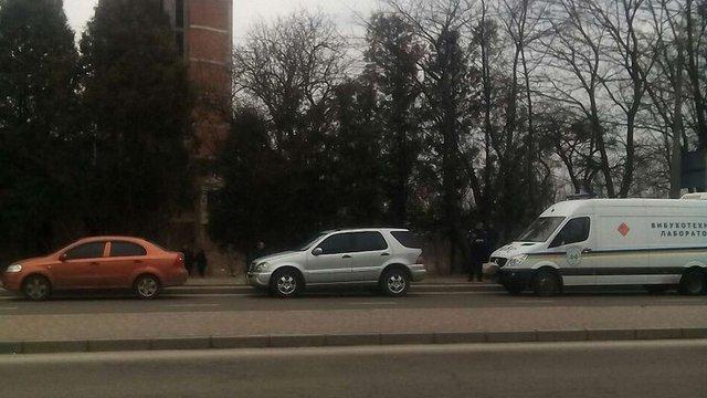 В закинутій будівлі у Львові знайшли бойові гранати і набої