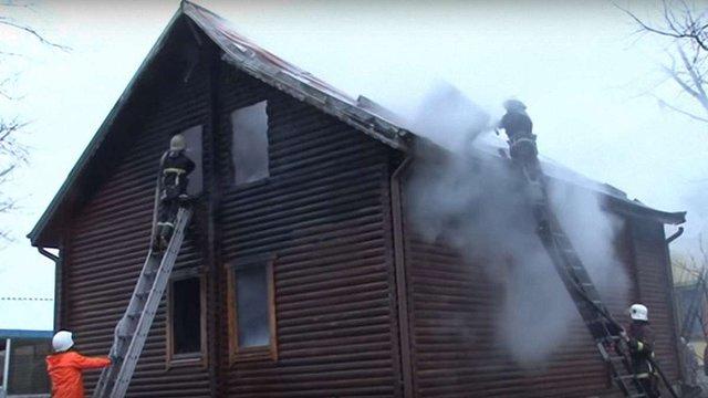 У Жовківському районі згоріла дерев'яна сауна