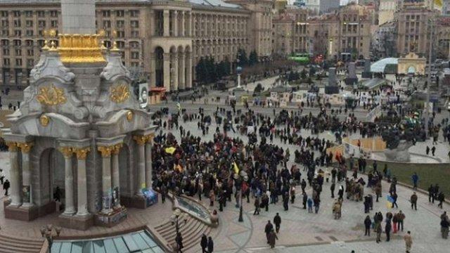 Правоохоронці не впустили на Майдан вантажівку з обладнанням для сцени