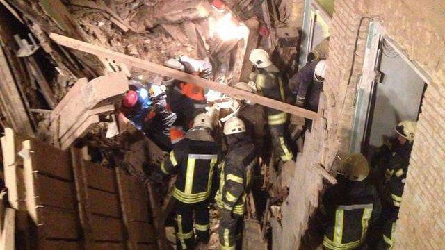 Будівельники не мали дозволів на роботи у будинку в Києві, який обвалився